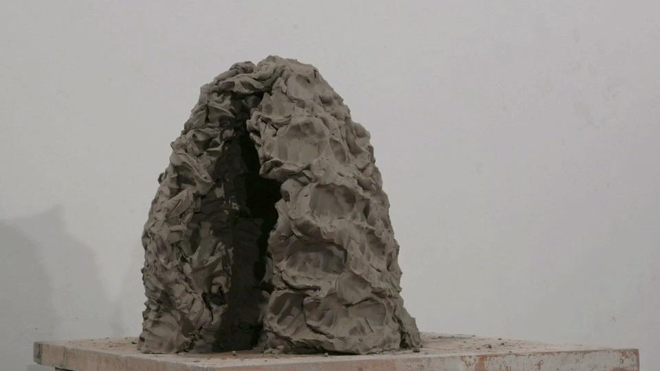 1,000 Poundsby Sui Jianguo