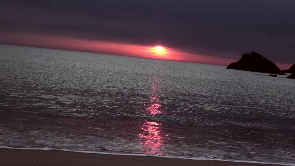 4mn - Sea and sunby Jean-François Réveillard .JfR.