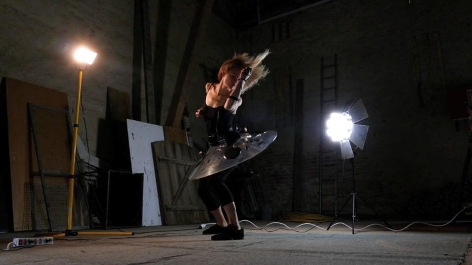 Audio Ballerina Solo: PEEPERSby Benoit Maubrey