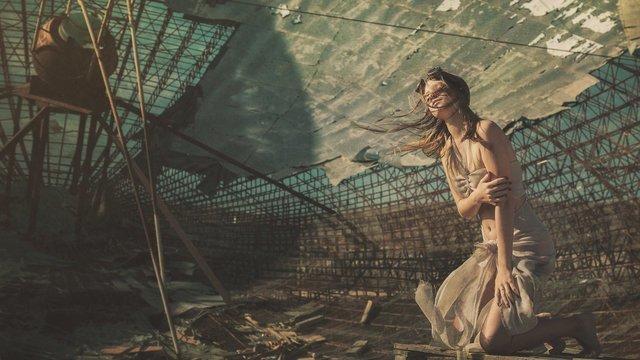 Post-apocalyptic girl